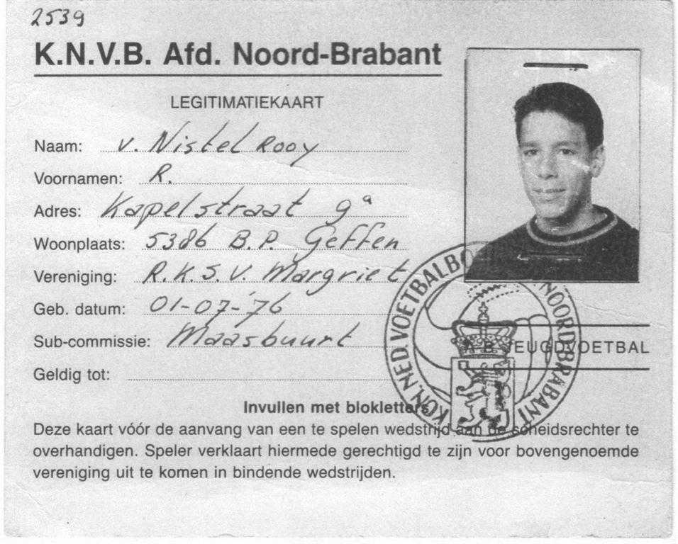 Карточка футболиста ван Нистелроя
